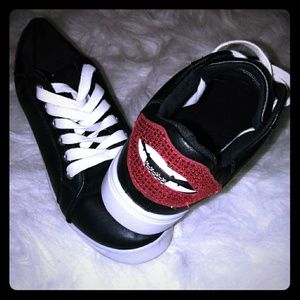 Black sneakers with Bling Lips